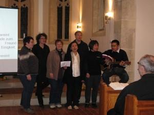 Im Gottesdienst wurden auch indonesische Lieder gesungen